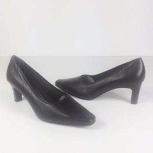cbb457697338 Liz Baker Brown Leather Pumps Heels- Size 8.5W